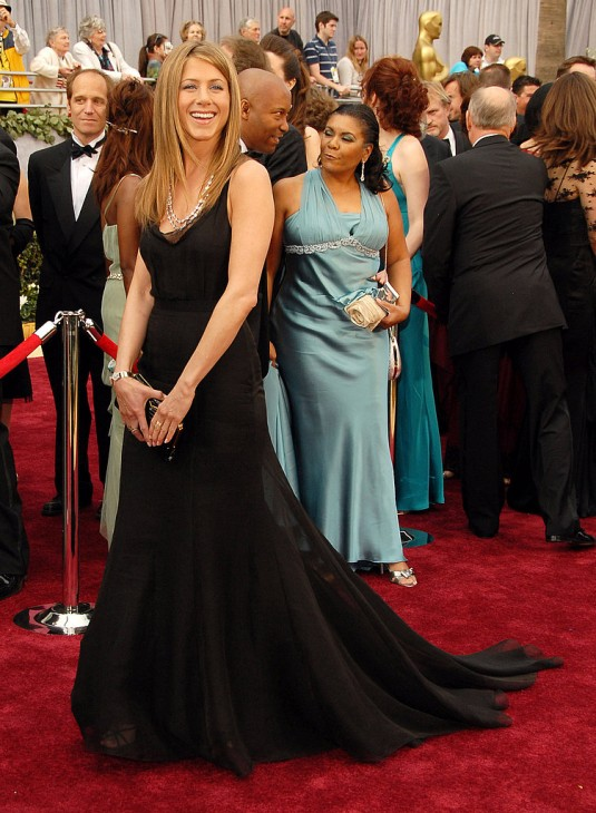 Jennifer-Aniston-2006-Academy-Awards