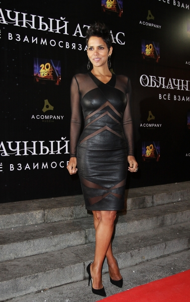halle-berry-lbd-ipopgr